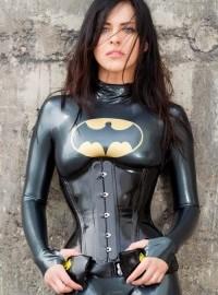 2013/01/batgirl-200x300.jpg