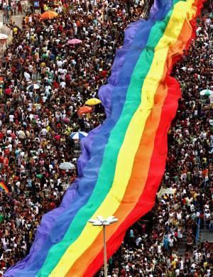 2013/01/pride_parade1.jpg