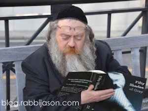Rabbi reading 50 shades of Grey