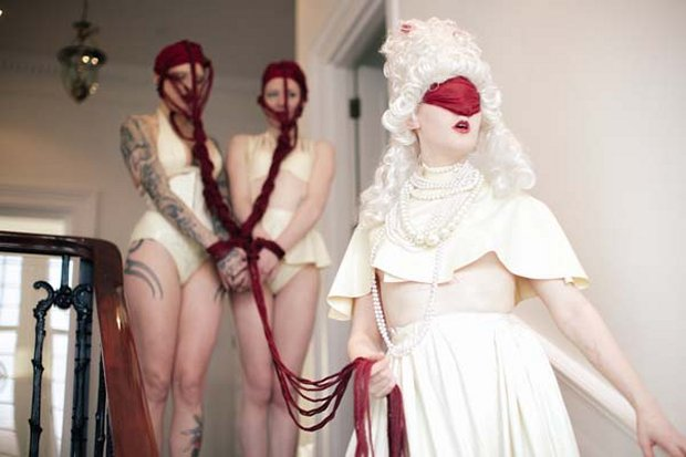 Models Bliss Theadora, Cynth Icorn, Amy Statik -Latex Amy Statik -Headdress Princess LAB -PhHelenTog
