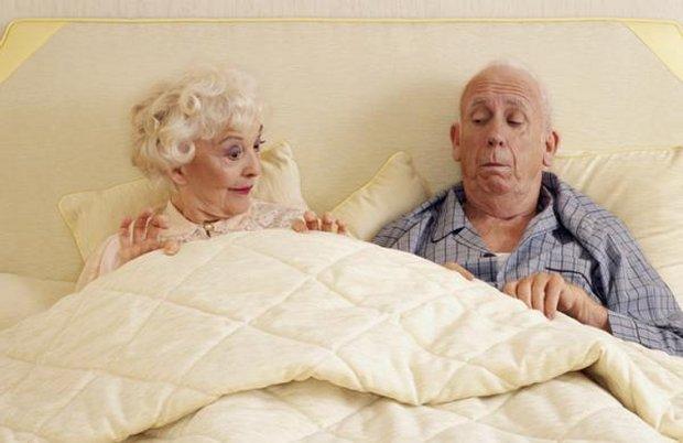Anziani a letto